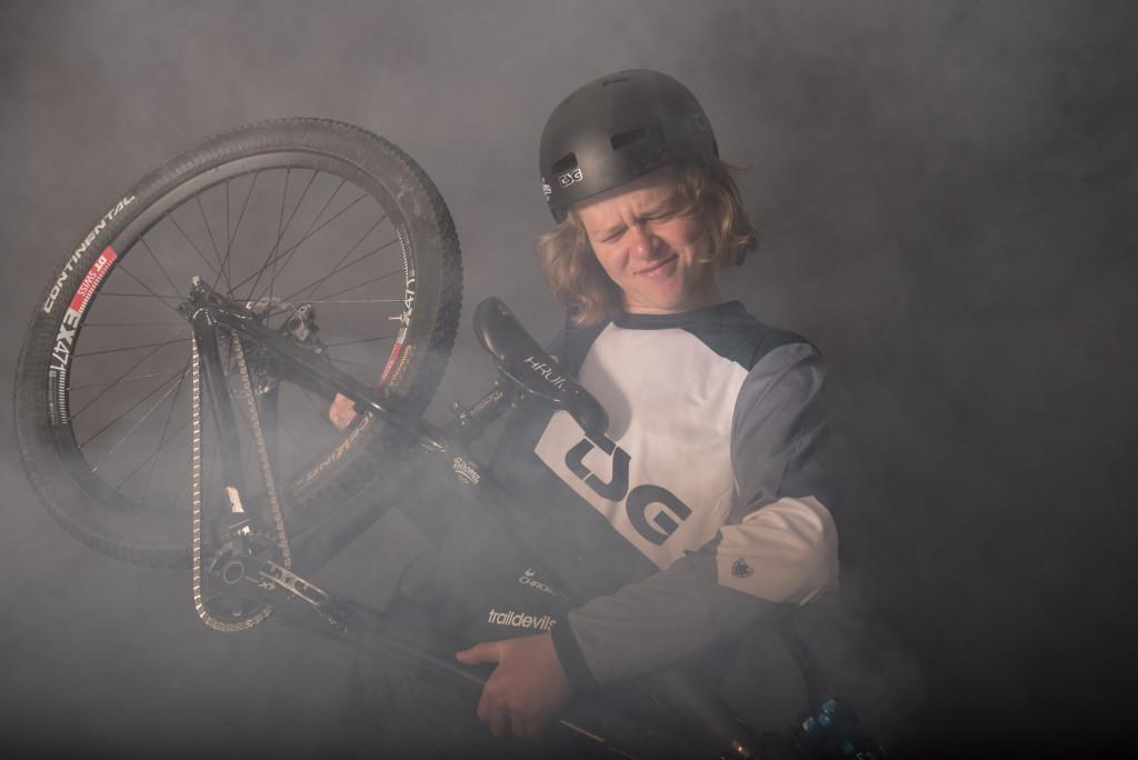 JosiahRohrer-DominikBosshard-3086